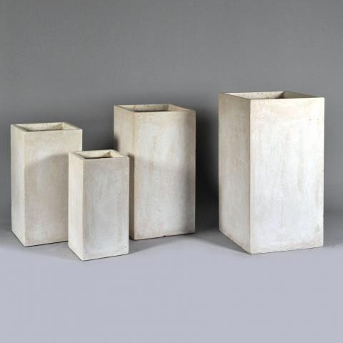 Hohe Pflanzkübel in Beige - Stil im Quadrat | pflanzkuebel.shop