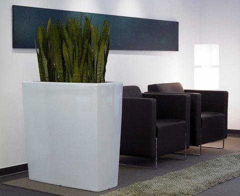 pflanzk bel wei hochglanz hergstellt aus kunststoff. Black Bedroom Furniture Sets. Home Design Ideas
