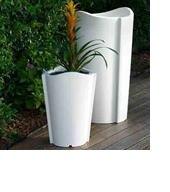 Weiße Vase aus Kunststoff hergestellt | pflanzkuebel.shop